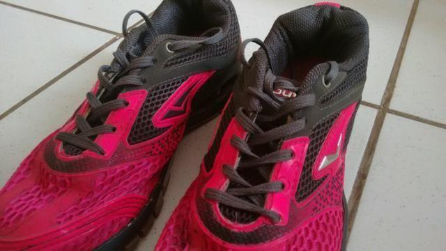 Vendo tênis bouts feminino rosa novo