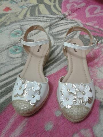 Torrandooo lotinho calçados número 33 tudo por $85 - Foto 5