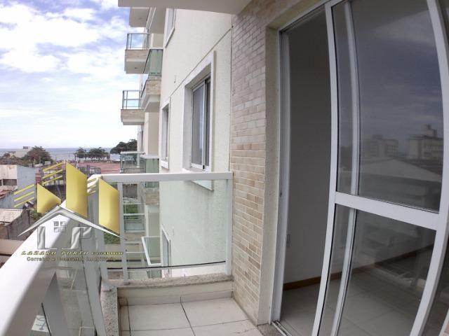Laz- Alugo apartamento com varanda perto da praia (09) - Foto 17