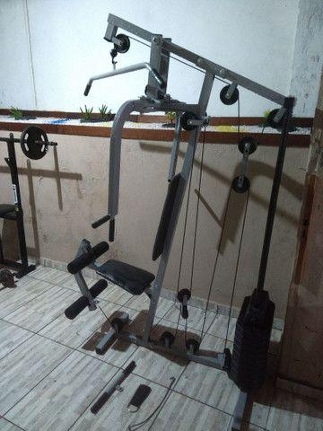 Estação de musculação com banco supino e saco pancada. - Foto 3
