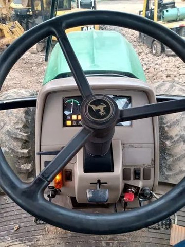 Trator Agrícola John Deere 6145j  4x4  ano 2014  12.550horas - Foto 5