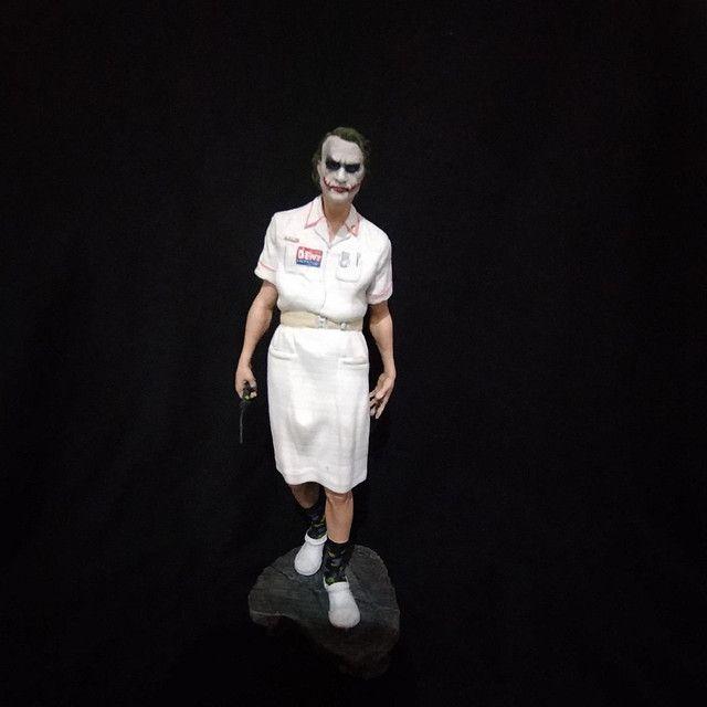 Coringa com roupa de enfermeira - Foto 4