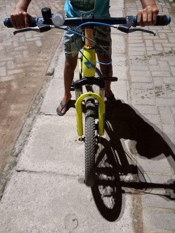 Bicicleta  com freio a disco  - Foto 2