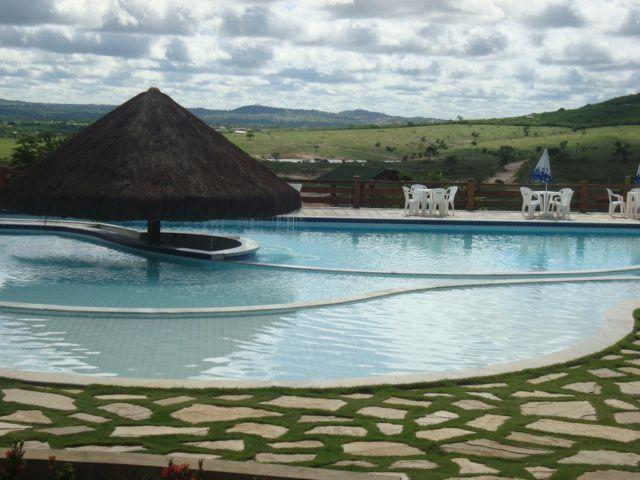 Curta Gravatá diárias promocionais no luxuoso flat 4 qts no resort fazenda Monte Castelo