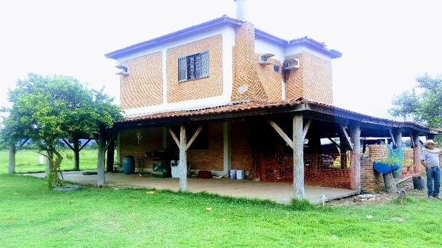 Fazenda 10 km da cidade Cuiaba - pedra 90