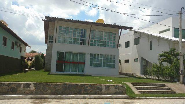 Casa mobiliada com 300 m², 5 suítes em condomínio próximo a BR