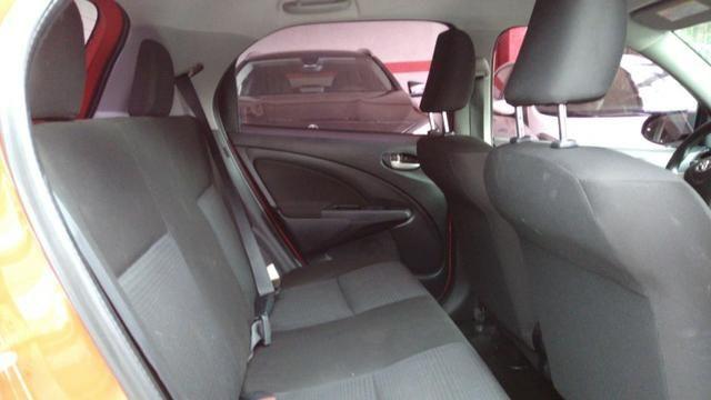 Etios Hatch X 1.3 16v - Foto 7