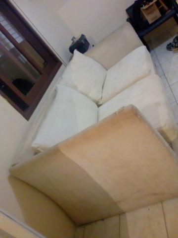 Sofá com estrutura toda de madeira e espuma de primeira qualidade estou vendendo barato - Foto 3