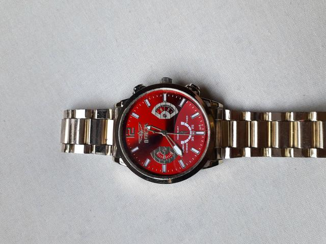 Vendo esse relógio invicta - Foto 2