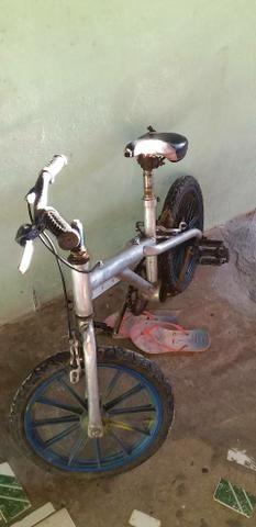 Vendo bike aro 16 ou troco por bike aro 20 - Foto 2