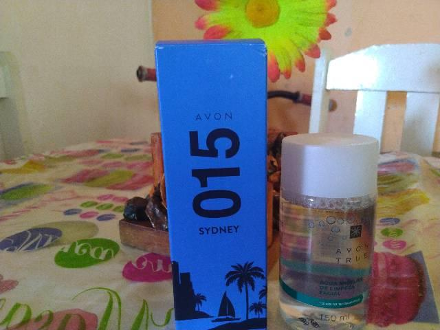 Perfume do Avon 015 Sidney e Água miscelar