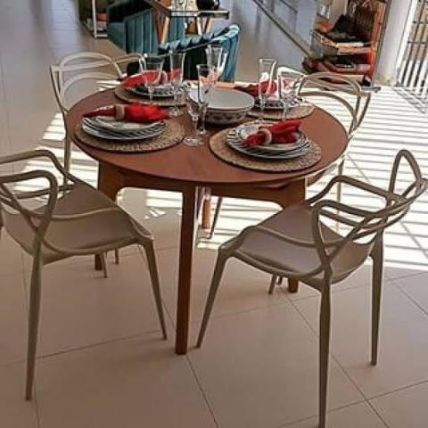 2 Cadeiras cor Fendi tendência 2020 nova