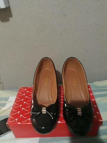 Vendê-se 2 pares de sapatos  - Foto 4