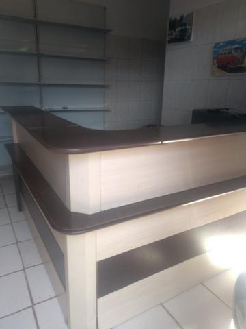 Balcão e prateleiras 400 reais tudo - Foto 2