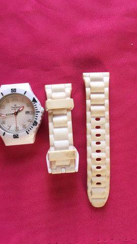 Vendo relógio original só com essas alças usado - Foto 3