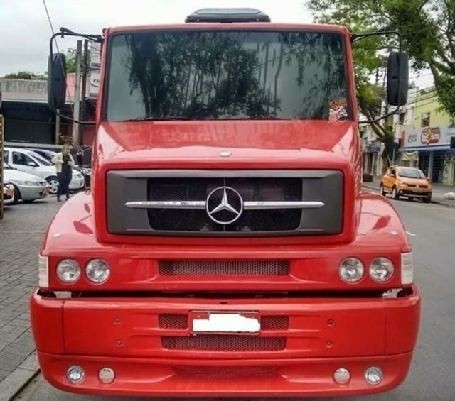 Mercedes bens 1620 (2012)