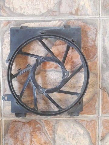 defletor carcaça suporte ventoinha condensador auxiliar chevrolet corsa montana