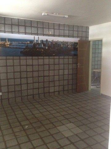 Ótimas 02 Salas Comerciais 46m2, 01 Vaga a 150m da Avenida Caxangá Excelente Localização
