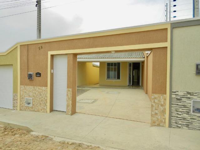Casa plana nova com 3 suites / 2 vagas / 112m² / nascente