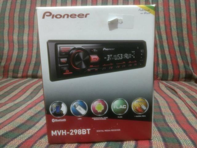 Som automotivo Pioneer MVH-298BT