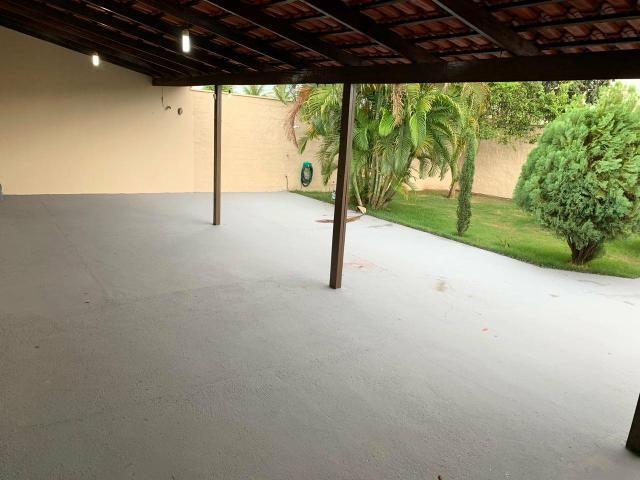 Casa Belíssima ótima localização 2 qts 4 garagem prox shopping Passeio das águas