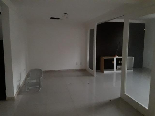 Excelente 4/4 com 450m² em Itapoã! Condomínio fechado - Foto 3