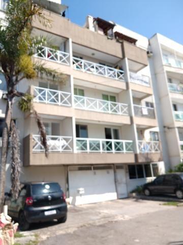 Alugo apartamento de frente com varanda
