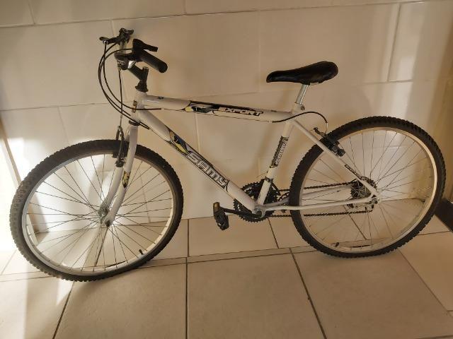 Bicicleta nova (pouco usada)
