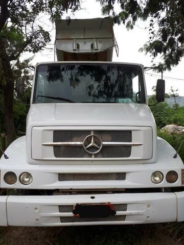 Caminhão Mercedes-Benz 1620