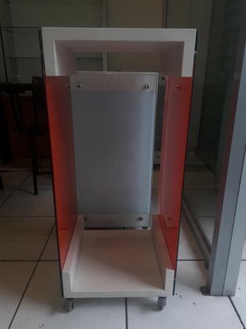 Aparador e expositor para vitrine cor vermelha - Foto 2