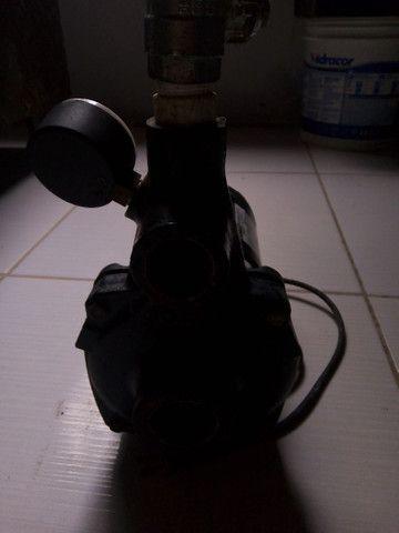 Bomba  d'água R$ 300