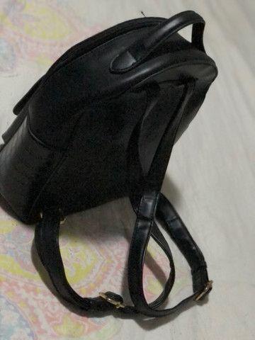 Vendo uma  bolsa mochila  - Foto 2
