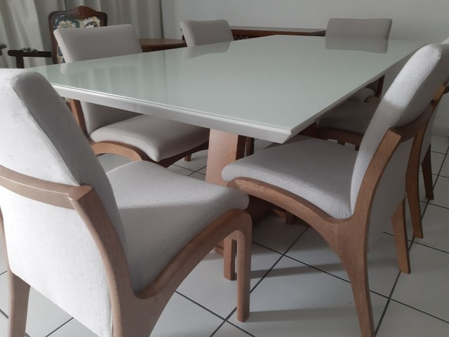 Imperdivel-Mesa com tampo de vidro laqueado + 6 cadeiras modelo Sabrina   - Foto 4