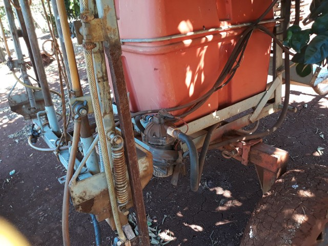 Pulverizador 200 litros - Foto 4