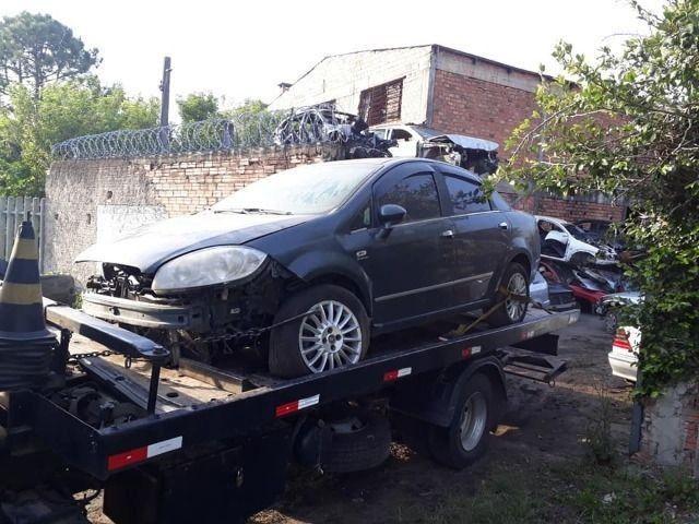 Sucata Peças Fiat Linea dualogic teto lateral lataria tudo em peças - Foto 7
