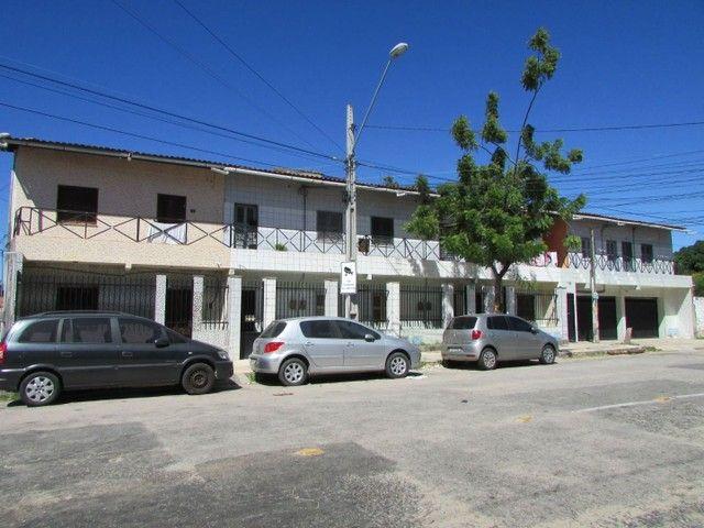 Apartamento com 2 quartos, no Bairro Dionísio Torres