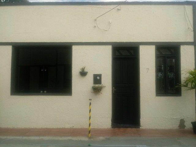 Casa de aluguel rua laranjeiras 1468 ,em frente as loja universo das balanças