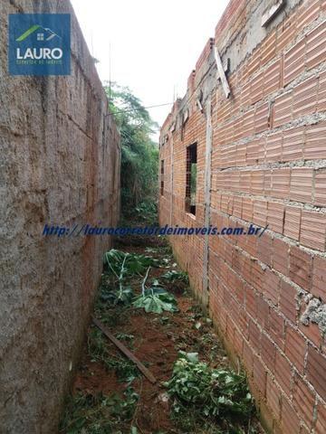 Vende-se casa na Lajinha em Construção - Foto 9