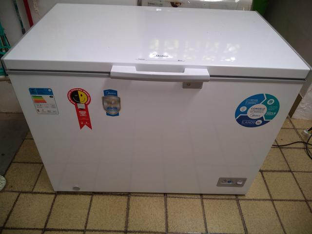 Vendo freezer MIDEA 295 litros - Foto 3