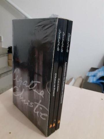 Box com três livros  - Foto 4