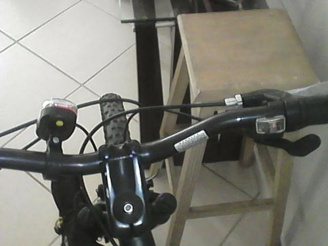 Bicicleta Specialized Hard Rock Sport 26 - Foto 3