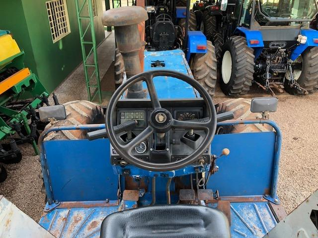 New Holland 8430 4x4 ano 93 - Foto 4