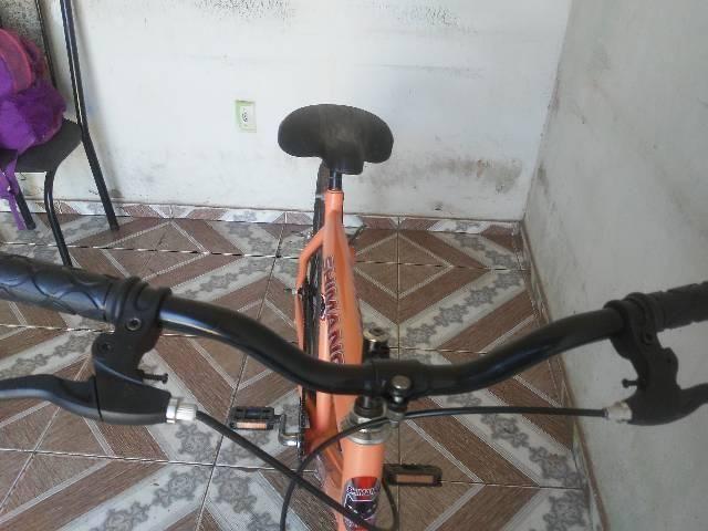 Vendo essa bike semi nova aro 26 - Foto 6