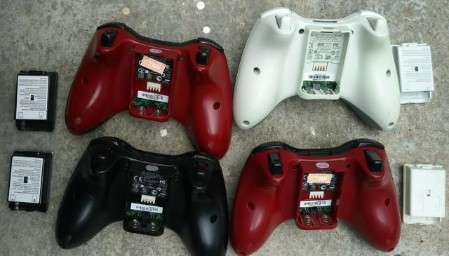 Controles Xbox 360 edição gear of war R$ 100 cada - Foto 2