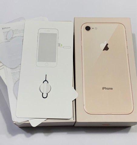 iPhone 8 - Gold  - Foto 4