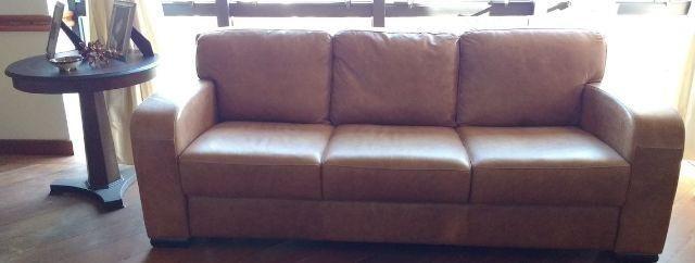 Sofa de 3 lugares de couro legitimo, e novo e nao foi utilizado