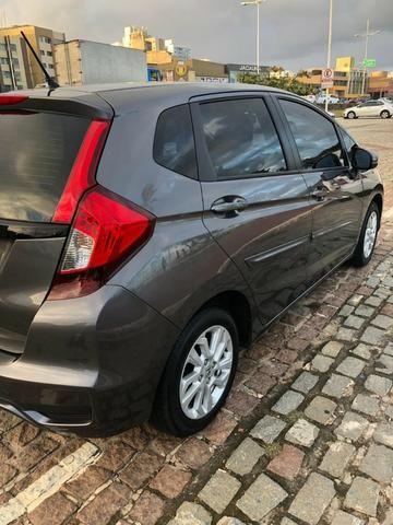 Honda Fit 1.5 LX Aut Ipva pago emplacado janeiro de 2018 - Foto 3