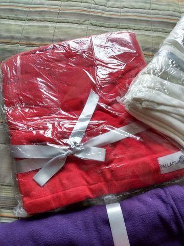 Mantas NOVAS  vermelha, roxa - Foto 3