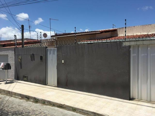 Casa Situada no bairro de Nova Parnamirim com excelente localização - Foto 14
