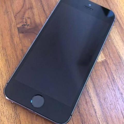Troco por xiaomi iPhone 5s cinza espacial impecável sem detalhes bateria nova 1 chip - Foto 2